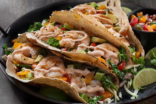 Chili Sauce「Grilled Shrimp Tacos with Spicy Mayo, Avocado Fresh Salsa and Kale Coleslaw」:スマホ壁紙(16)