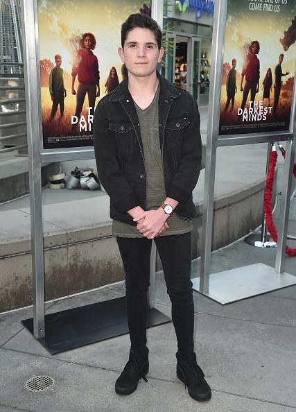"Fully Unbuttoned「Screening Of 20th Century Fox's ""Darkest Minds"" - Arrivals」:写真・画像(12)[壁紙.com]"