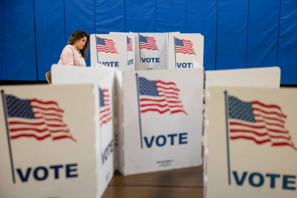 Voters In 14 States Head To The Polls On Super Tuesday:ニュース(壁紙.com)