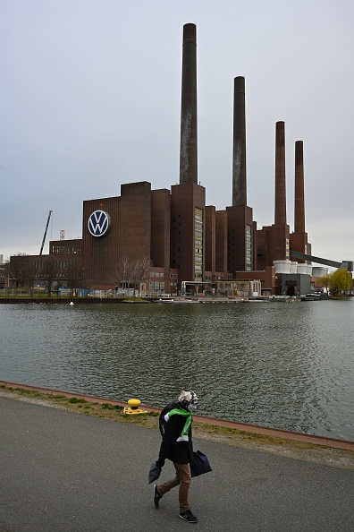 Wolfsburg - Lower Saxony「Automakers Halt Production Due To Coronavirus」:写真・画像(14)[壁紙.com]