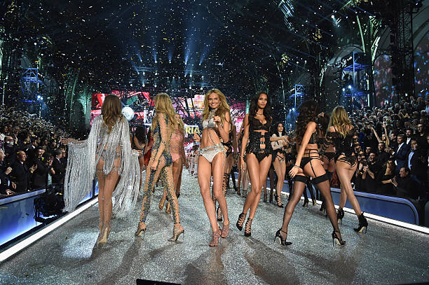 2016 Victoria's Secret Fashion Show in Paris - Show:ニュース(壁紙.com)