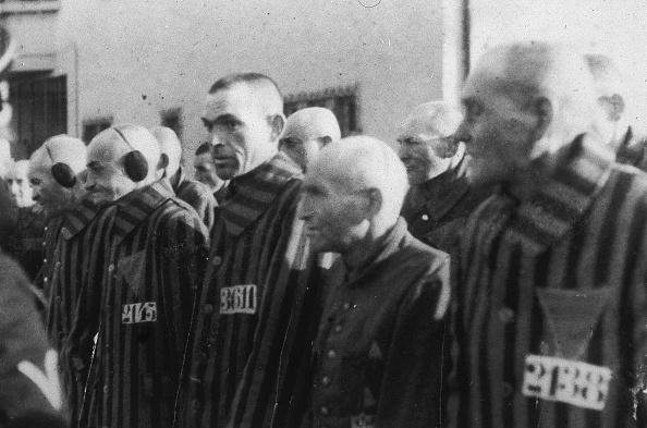 Uniform「Prisoners In Line At Concentration Camp, WW II, c. 1943.」:写真・画像(9)[壁紙.com]