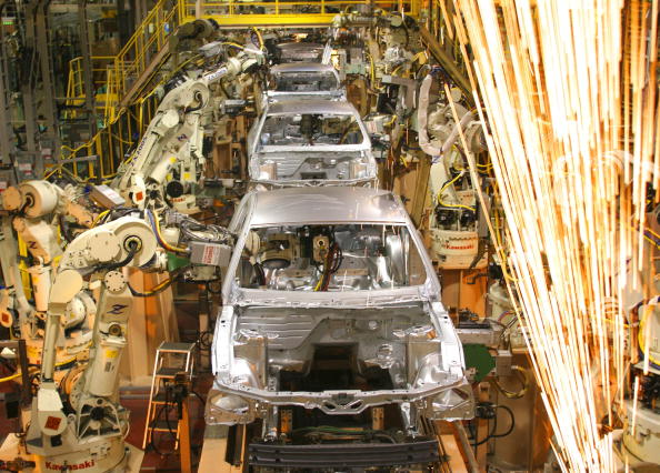 Production Line「Ford Unveils Latest Mustang Model At New Plant」:写真・画像(11)[壁紙.com]