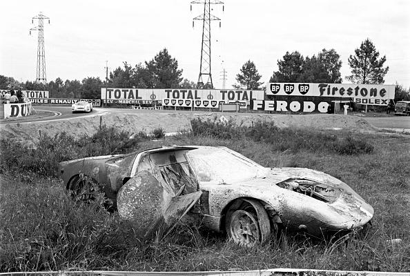 Ford GT「Burned Out At Le Mans」:写真・画像(18)[壁紙.com]