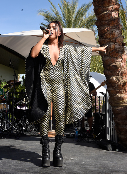 Wide Sleeved「Republic Records Celebrates Their Class Of 2019 In Coachella Valley」:写真・画像(13)[壁紙.com]