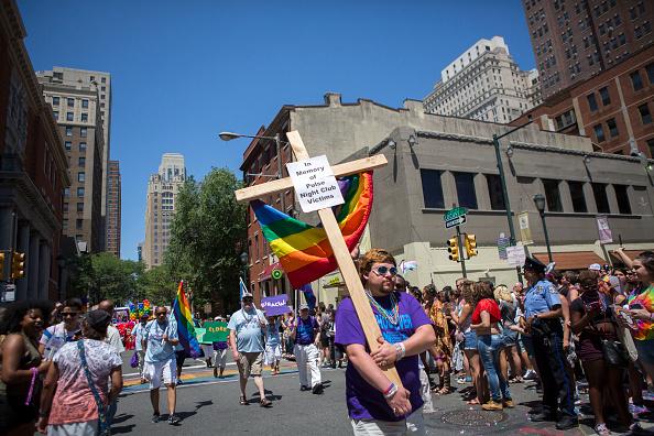 フロリダ州オーランド「2016 Gay Pride Parade Marches Through Philadelphia」:写真・画像(1)[壁紙.com]