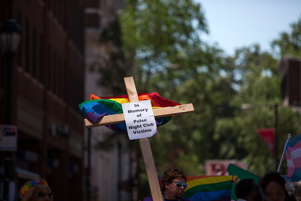 フロリダ州オーランド「2016 Gay Pride Parade Marches Through Philadelphia」:写真・画像(2)[壁紙.com]