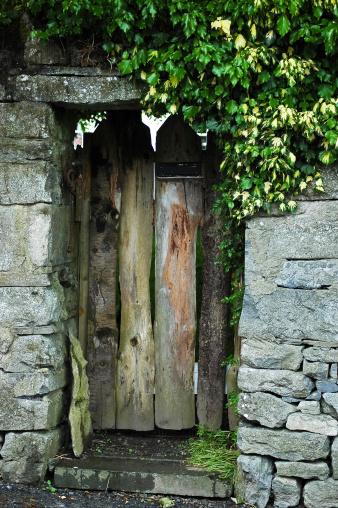 Walled Garden「Secret Garden Doorway」:スマホ壁紙(16)