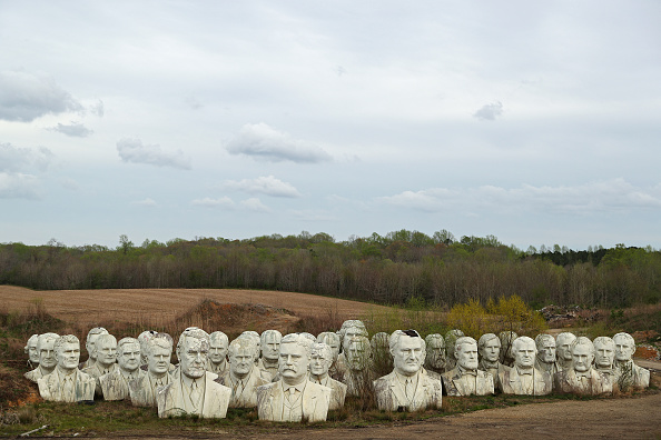 Bestpix「Remnants Of Bankrupted Presidents Park Stored On Private Family Farm In Croaker, Virginia」:写真・画像(0)[壁紙.com]