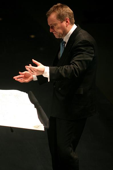 Classical Concert「Jonathan Nott」:写真・画像(2)[壁紙.com]