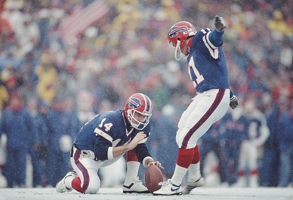 Kicking「Buffalo Bills vs Denver Broncos」:写真・画像(15)[壁紙.com]