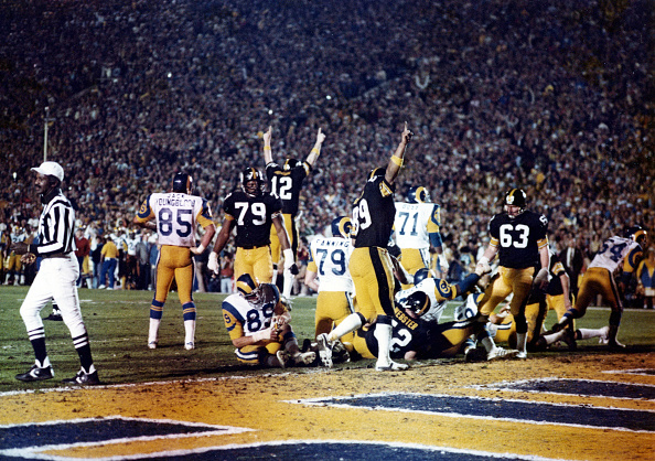 Touchdown「Super Bowl XIV:  Pittsburgh Steelers v Los Angeles Rams」:写真・画像(3)[壁紙.com]