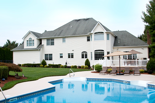 New Jersey「Large house late Summer, rear view with swimming pool」:スマホ壁紙(3)