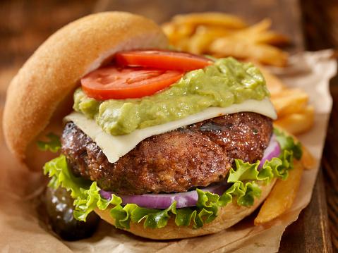 Plate「The Guacamole Bacon Burger」:スマホ壁紙(3)