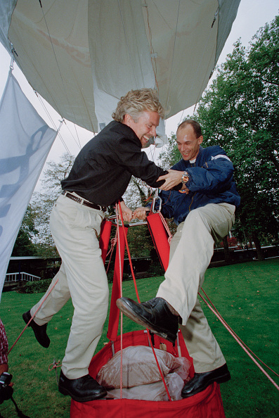 気球「Richard Branson And Bertrand Piccard」:写真・画像(8)[壁紙.com]