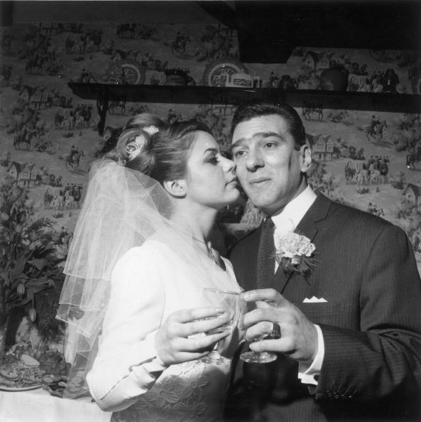 Wedding Dress「Reggie Kray」:写真・画像(17)[壁紙.com]
