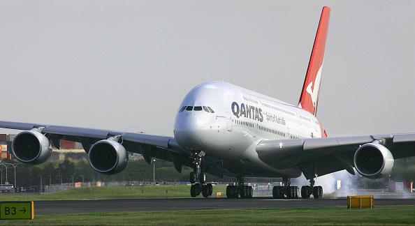 Airbus A380「Qantas Welcomes The Airbus A380」:写真・画像(5)[壁紙.com]