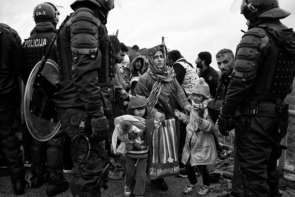 Tom Stoddart Archive「Refugees In Croatia」:写真・画像(8)[壁紙.com]