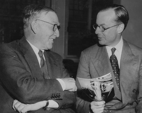 Fred Ramage「Sir Edwin Plowden And Sir John Cockroft」:写真・画像(3)[壁紙.com]