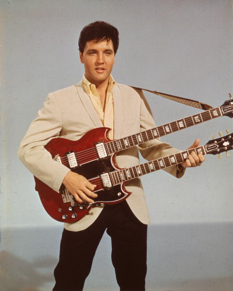 Singer「Elvis With Double Bass」:写真・画像(16)[壁紙.com]