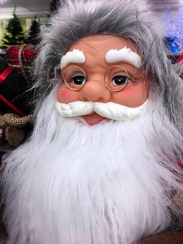 Beard「Portrait of a Santa Claus puppet in a store」:スマホ壁紙(11)