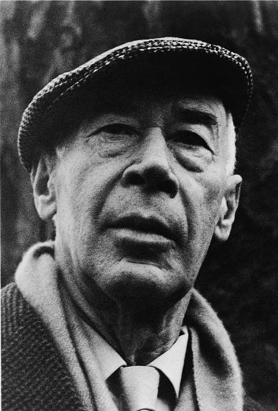 作家「Portrait of Author Henry Miller」:写真・画像(15)[壁紙.com]