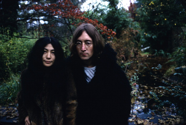 John Lennon「Lennon and Ono Outdoors」:写真・画像(10)[壁紙.com]