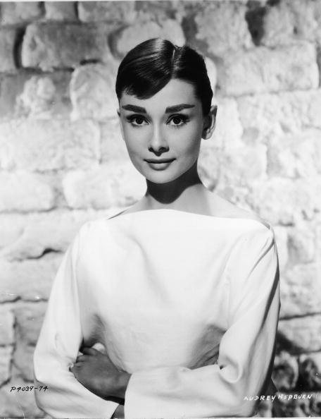 Brick Wall「Portrait Of Audrey Hepburn」:写真・画像(12)[壁紙.com]