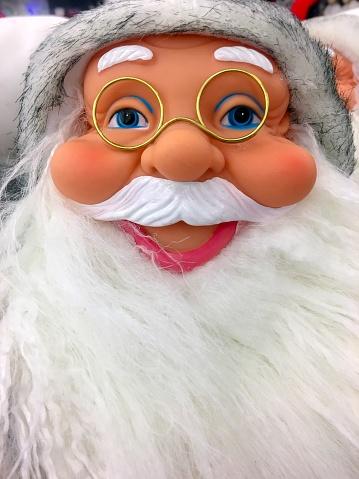 Beard「Portrait of a smiling Santa Claus puppet」:スマホ壁紙(5)
