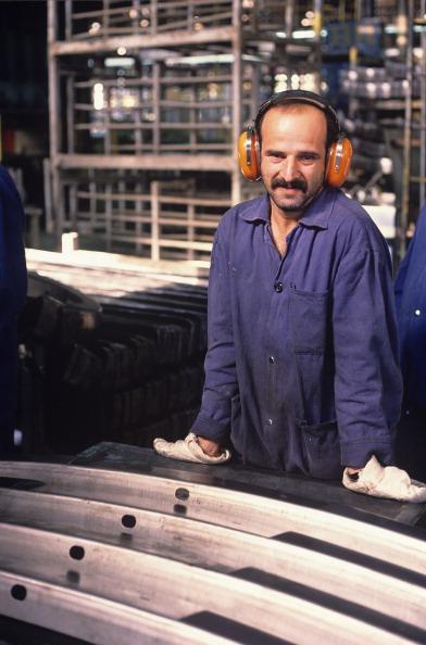 カメラ目線「Factory Worker」:写真・画像(10)[壁紙.com]