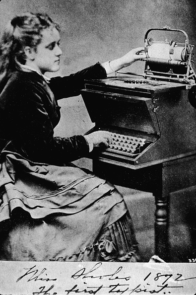 Typewriter「Woman At A Typewriter」:写真・画像(12)[壁紙.com]