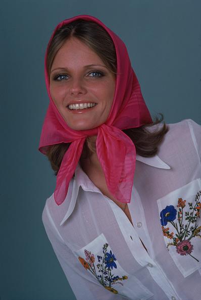 Scarf「Portrait Of Cheryl Tiegs」:写真・画像(14)[壁紙.com]