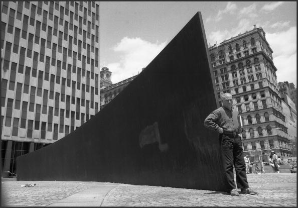 Town Square「Portrait Of Richard Serra & 'Tilted Arc'」:写真・画像(15)[壁紙.com]