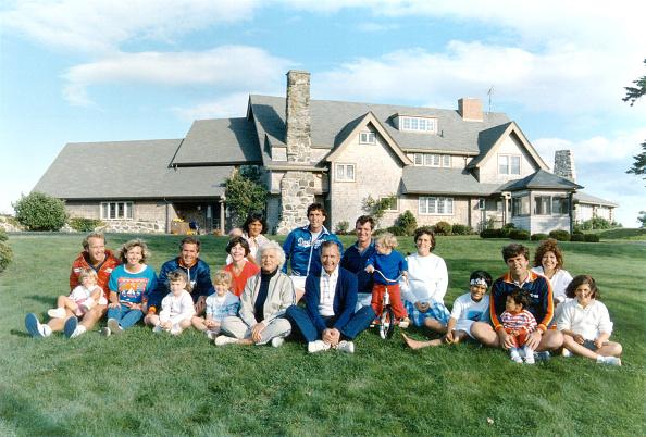 Family「bushretrospe_20000517_07303.jpg」:写真・画像(18)[壁紙.com]