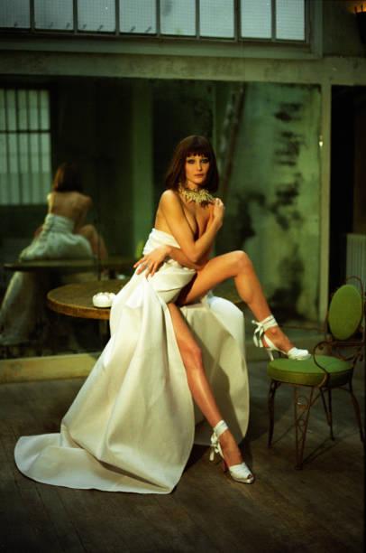 Portrait Of Carla Bruni:ニュース(壁紙.com)