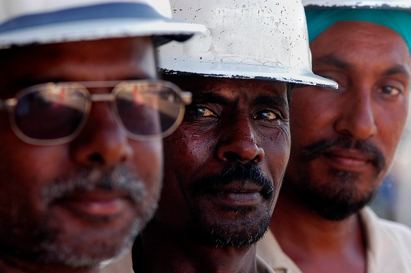 Construction Worker「Portrait of Construction Workers, Construction Site Dubai, United Arab Emirates.」:写真・画像(17)[壁紙.com]