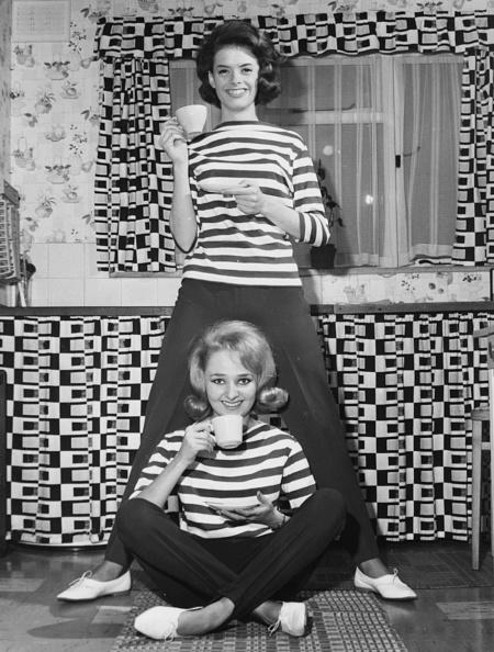 Blouse「Andrea Simpson And Lois Wilkinson」:写真・画像(12)[壁紙.com]