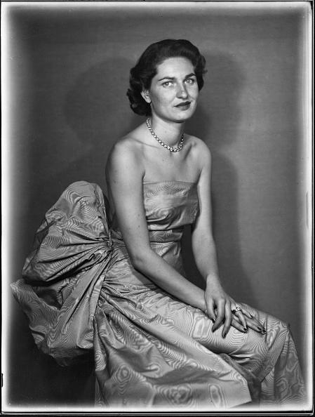 Fototeca Storica Nazionale「An Elegant Lady」:写真・画像(0)[壁紙.com]