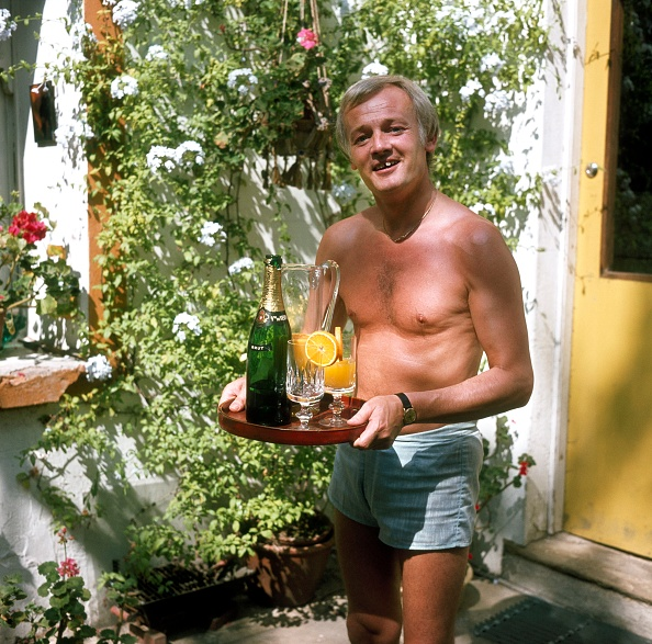 Juice - Drink「John Inman With Drinks」:写真・画像(2)[壁紙.com]