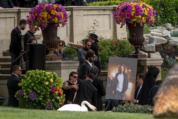 チェスター・ベニントン「Chris Cornell Funeral Service」:写真・画像(18)[壁紙.com]