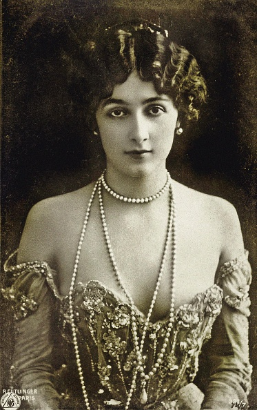 One Young Woman Only「Portrait Of The Opera Singer Lina Cavalieri (1874-1944).」:写真・画像(10)[壁紙.com]
