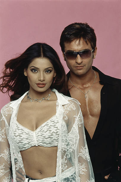 Saif Ali Khan And Bipasha Basu:ニュース(壁紙.com)