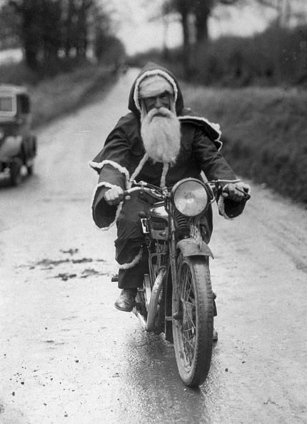 ヒューマンインタレスト「Cycling Santa」:写真・画像(1)[壁紙.com]
