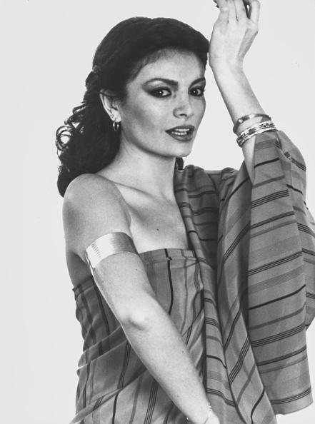 Bangle「Ajda Pekkan」:写真・画像(1)[壁紙.com]
