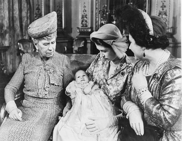 Royalty「Princess Elizabeth, Queen Mary, Queen Elizabeth And Princess Anne」:写真・画像(10)[壁紙.com]