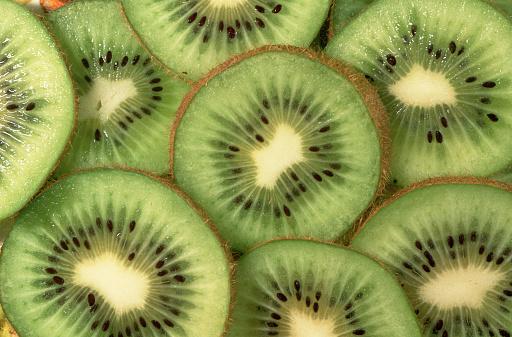 Kiwi「Sliced Kiwi Fruit」:スマホ壁紙(3)