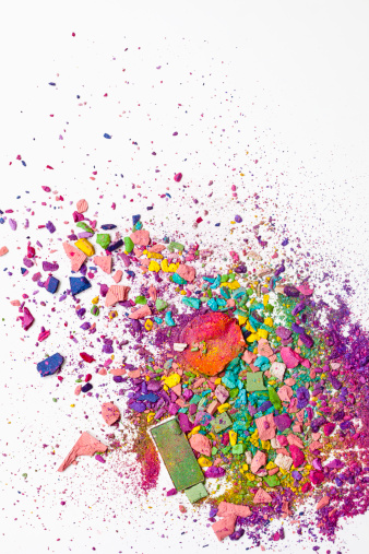 カラフル「Various crushed up make-up powder products」:スマホ壁紙(16)