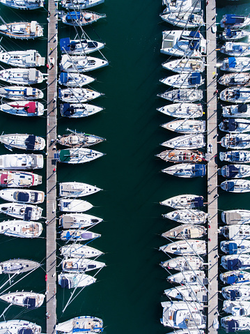 Ship「ヨットの上からの眺めが駐車場」:スマホ壁紙(19)