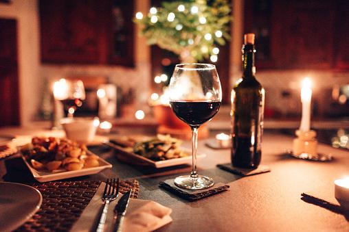 Dinner「table set up for dinner」:スマホ壁紙(11)