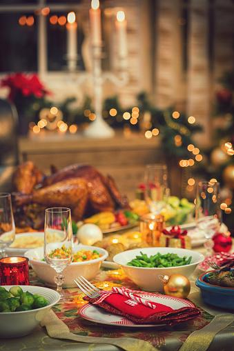 Stuffed Turkey「Table set up for Christmas Dinner」:スマホ壁紙(10)